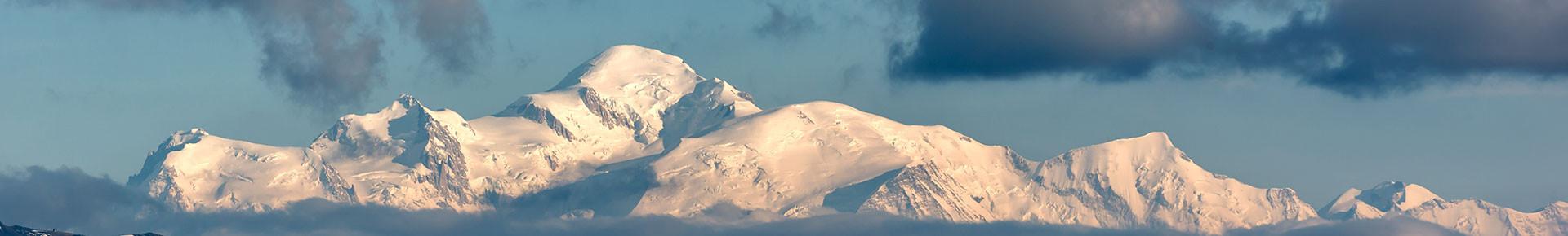 Le Mont-Blanc vu depuis le Tour du Char des Quais