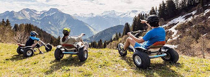 Mountain kart et trottinette de descente