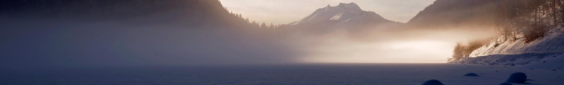 Le Lac de Montriond sous la brume