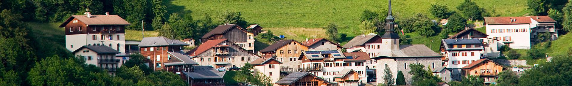 Le village de La Forclaz en été