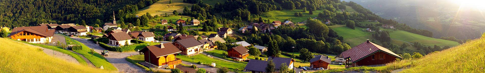 Le village de La Vernaz en été