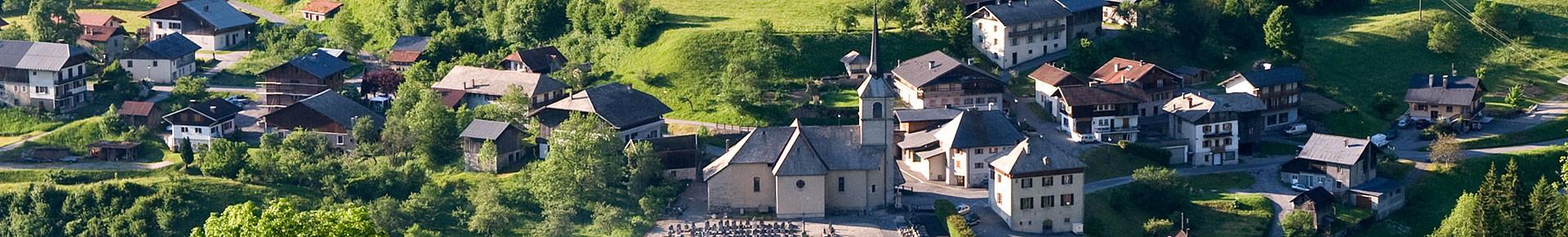 Le village de Seytroux en été