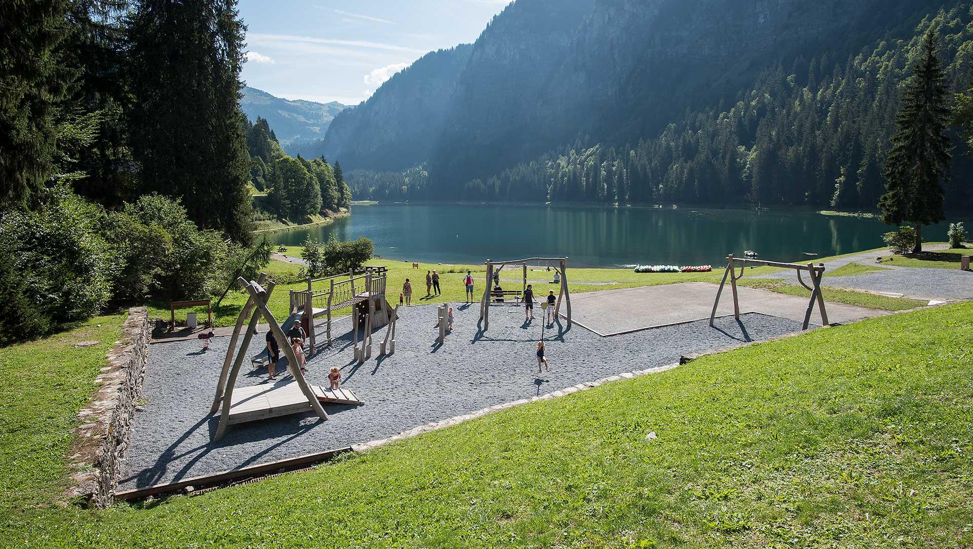 Aire de jeux pour enfants du Lac de Montriond