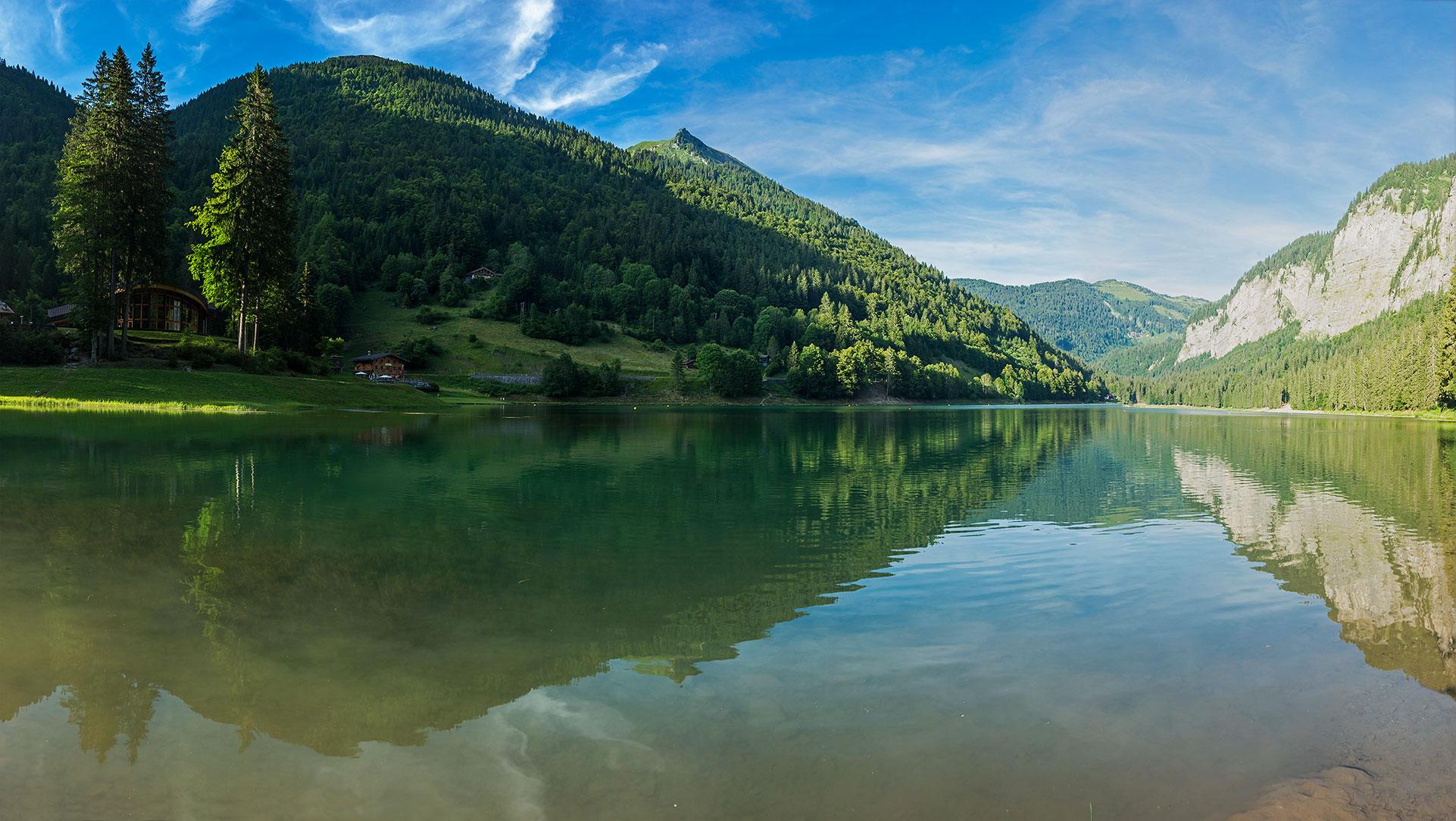 Lac de Montriond au printemps