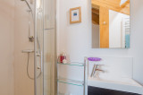 en-suite-bathroom-view-2-19925